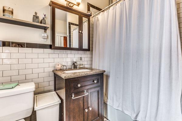 25_bathroom-3
