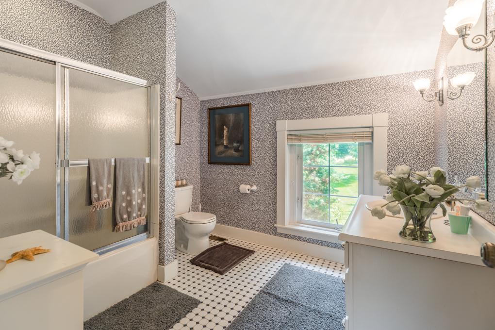 19_bathroom1